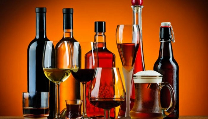 Article image for Should Australia's alcohol consumption guidelines be relaxed?