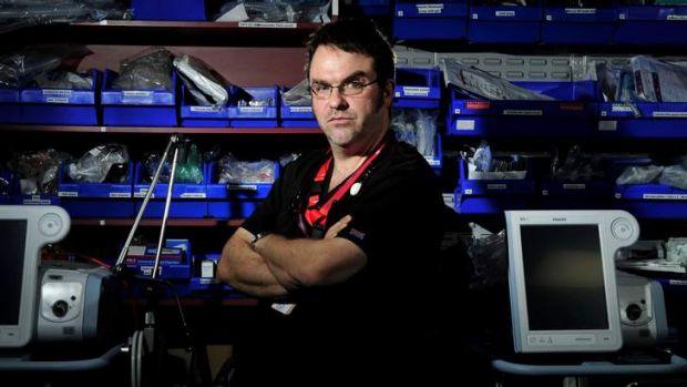 Dr David Caldicott