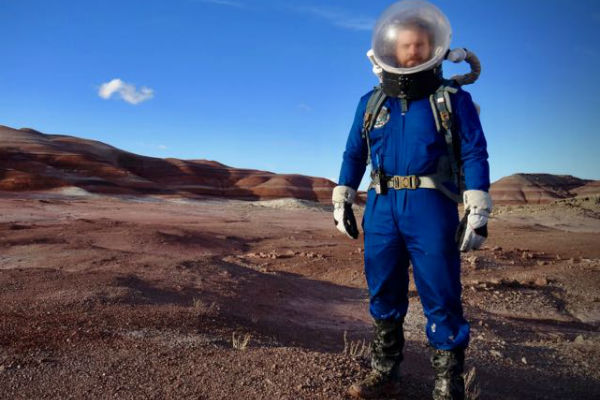 Young Aussie part of Martian simulation