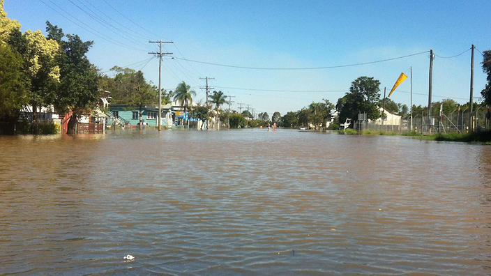 Rockhampton braces for flood peak