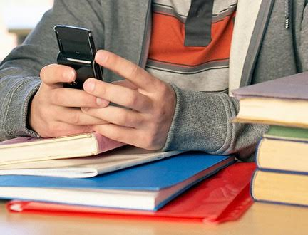 School Bans Mobile Phones