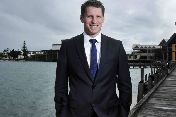 Article image for 'We need to circle the wagons': Federal MP warns of protecting Australia from Chinese investors