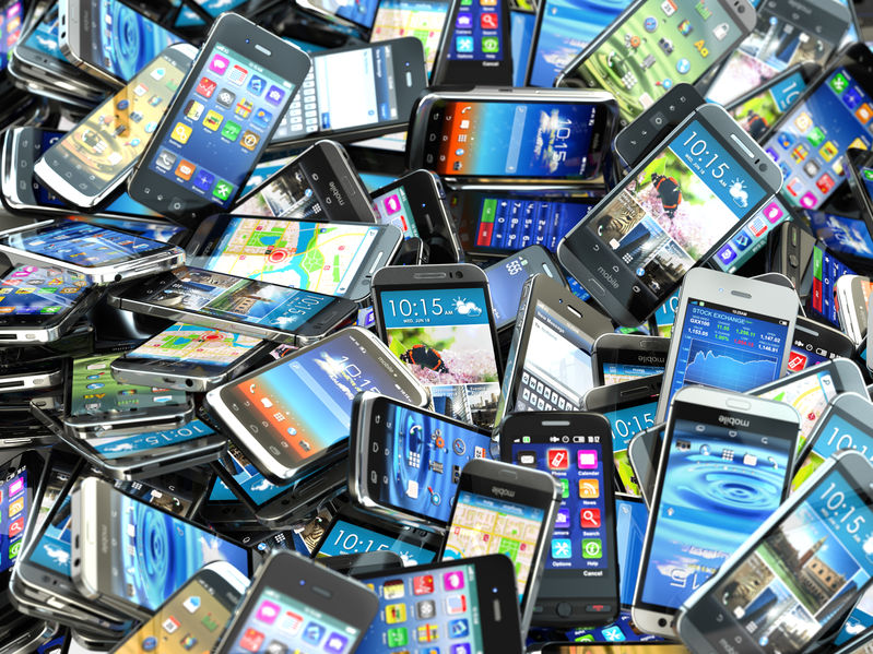 Article image for Calls for a balance to be struck on phone bans in schools