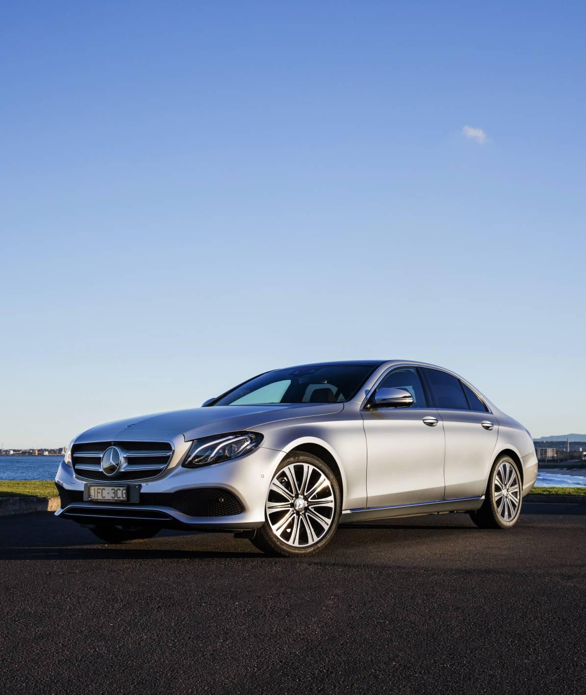 Mercedes-BENZ E300 - 3