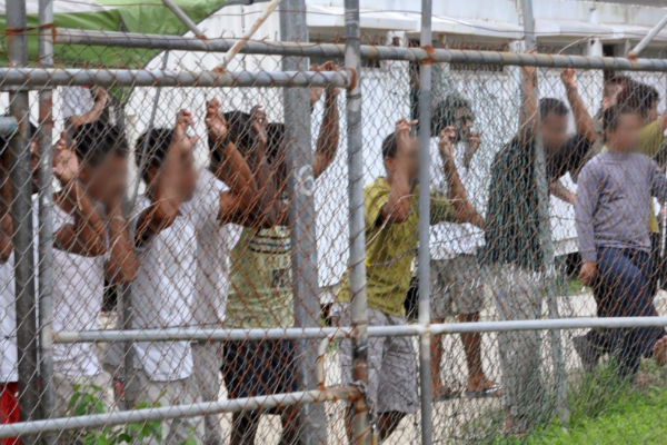 Peta Credlin admits $423m Manus Island contract 'doesn't look 100% great'
