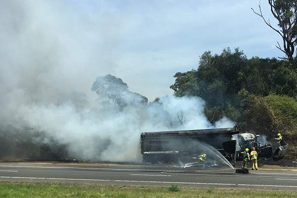 Article image for WATCH: Truck bursts into flames, closes Hume Highway