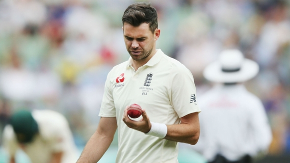 Article image for Bayliss rejects ball tampering talk