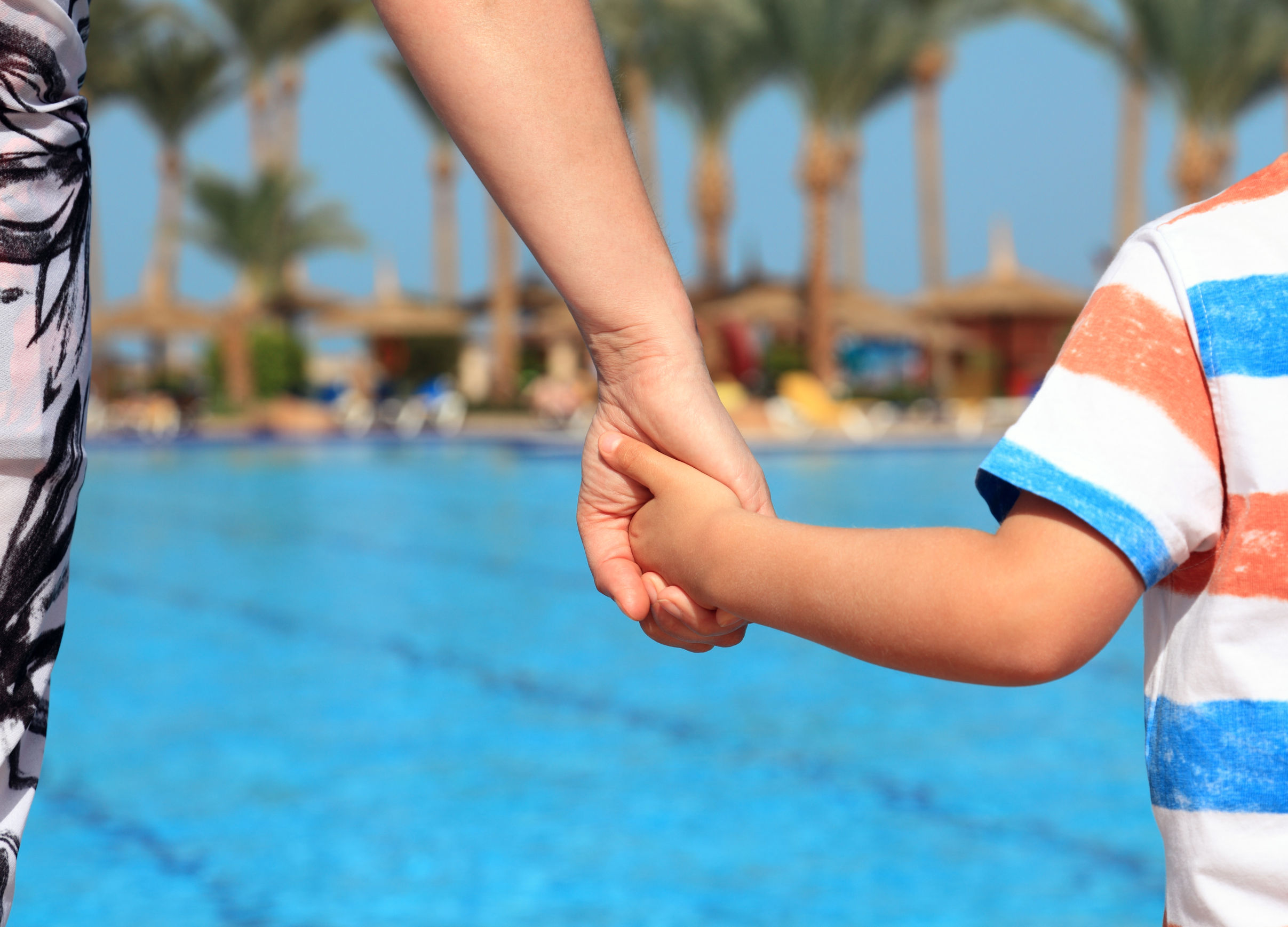 Families struggling to afford swimming lessons as water tragedy strikes