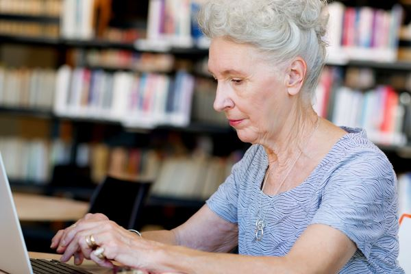 Article image for Over 80,000 older Australians can't find work