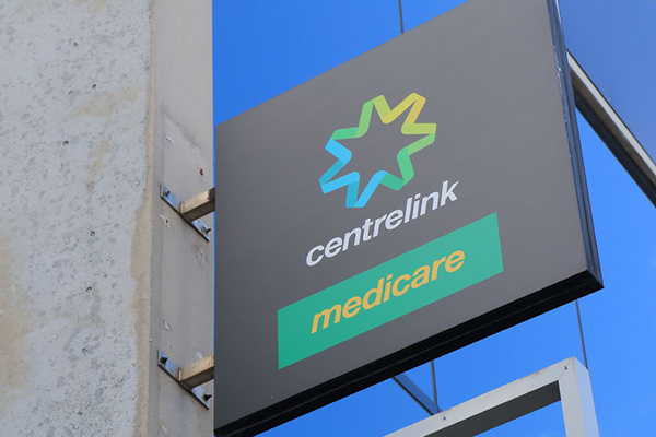 Article image for $1-billion investment to reduce Centrelink wait times