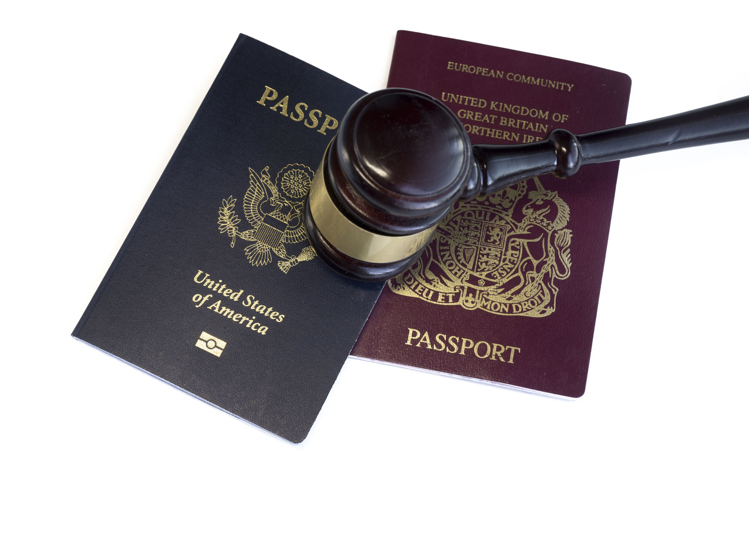 Another day, another dual citizenship issue