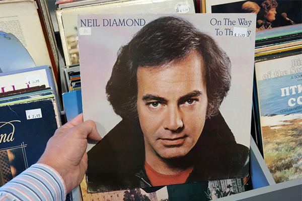 Neil Diamond cancels Australian tour and announces retirement
