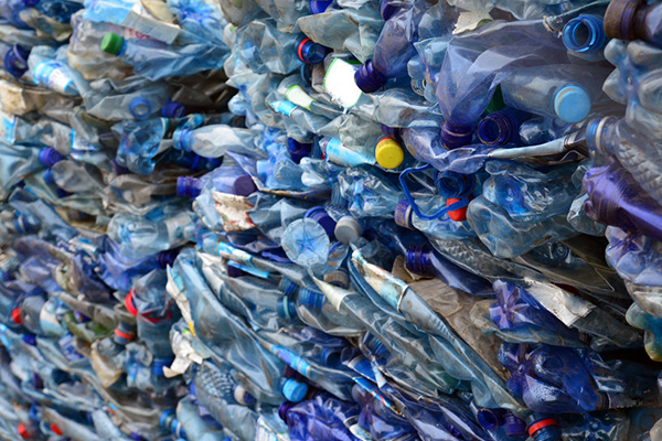 Should Australia follow the UK with ambitious plastic laws?
