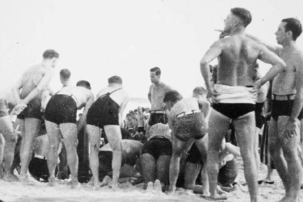 Bondi's Black Sunday drownings remembered 80 years on