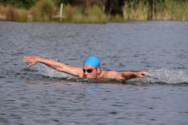 Aussie swimmer butterflying for a good cause