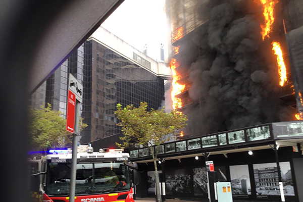 Hundreds evacuated due to Circular Quay building inferno