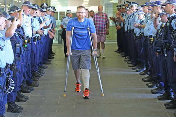 Article image for Man charged with shooting police officer will apply for bail