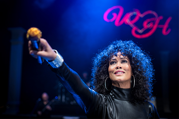 Article image for Star of Whitney Houston Show performs live in the studio