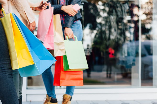 Article image for Retail doing it tough with falling figures