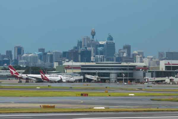 Winds wreak chaos at Sydney Airport