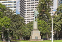 Historian 'seeking to deny our past', challenges removal of graffiti on Captain Cook statue