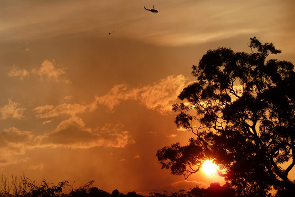 GALLERY   Stunning photos show 'extraordinary' efforts of firefighting helicopters