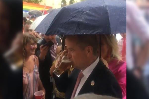 Article image for 'You fun-sucking sook': Bill Shorten wants PM to ban the booze