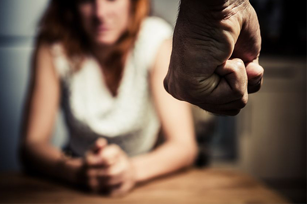 Article image for Family violence leave should be welfare sector's responsibility, business groups say