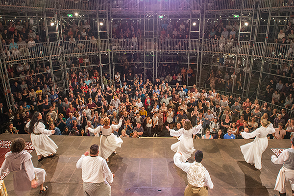 To see or not to see: Globe Theatre pops up in Sydney