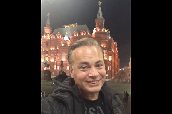 Article image for Mark Bosnich goes peak Bozza with unique Russian wedding proposal