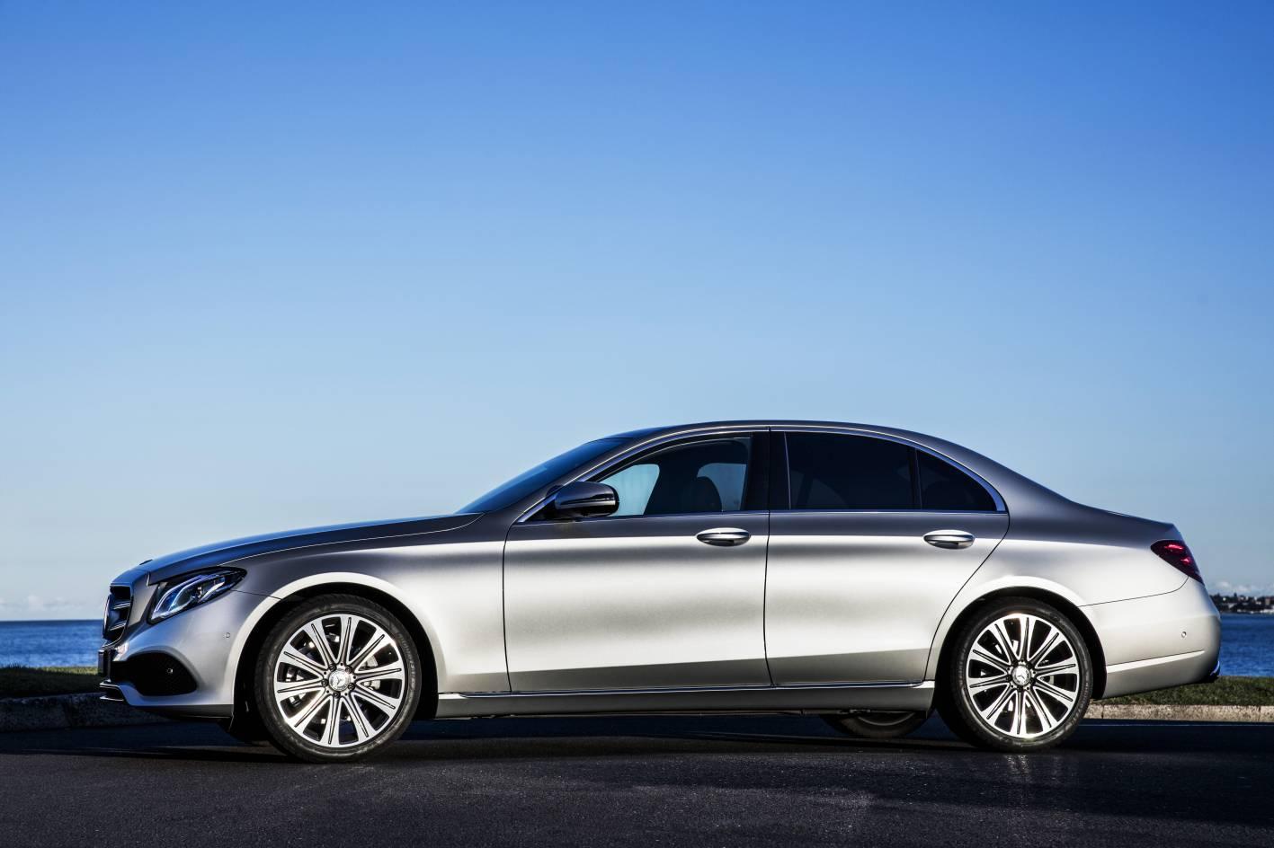 Mercedes-Benz E300 - 2 (1)