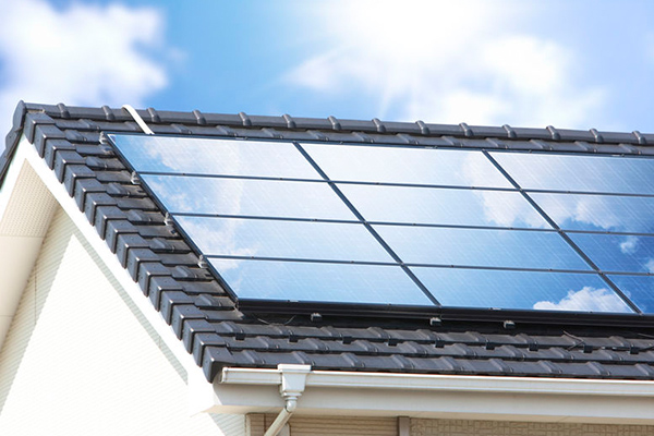 Article image for 'Running to catch up': Solar power surge putting electricity grid at risk