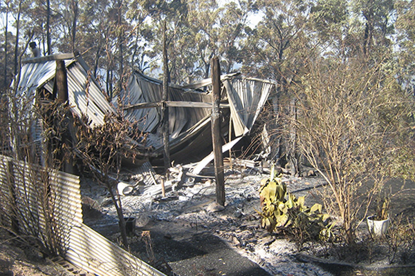 Article image for Emergency Services Minister hits back at fire union's 'act of bastardry' after Tathra inquiry