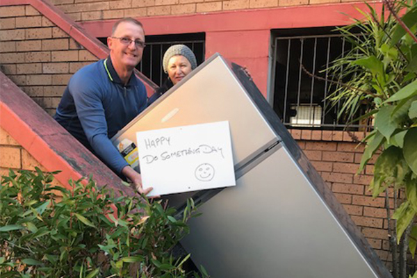 Article image for Inspiring couple rolls up their sleeves for nan in need on Do Something Day