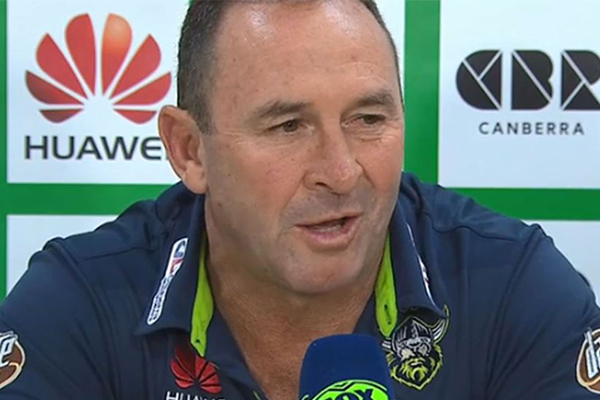 Article image for 'I'm actually going to take them for lunch': Ricky Stuart consoling 'shattered' team