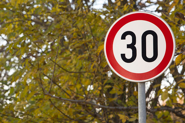 There's a push to drop Brisbane's CBD speed limit to 30km/h