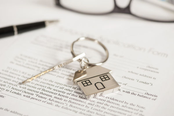 Article image for Watchdog urges caution as reverse mortgages pose 'long-term challenges'