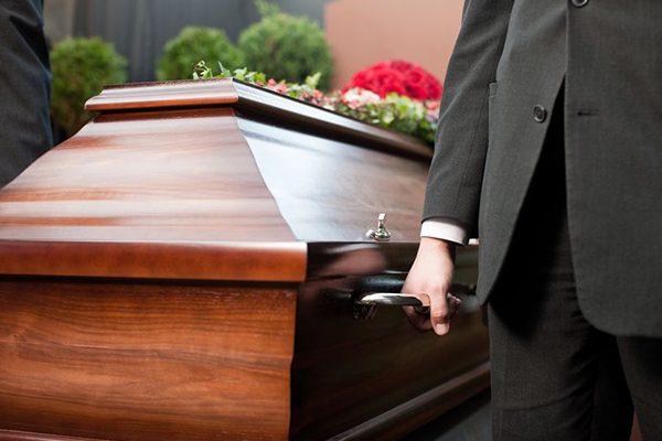 Article image for The coffin confessor paid to crash funerals