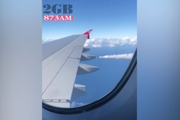 Article image for WATCH   Qantas plane forced to dump fuel mid-flight