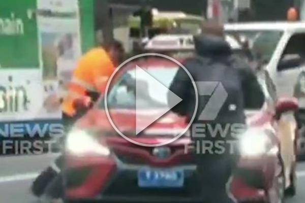 WATCH   Violent road rage incident stops traffic