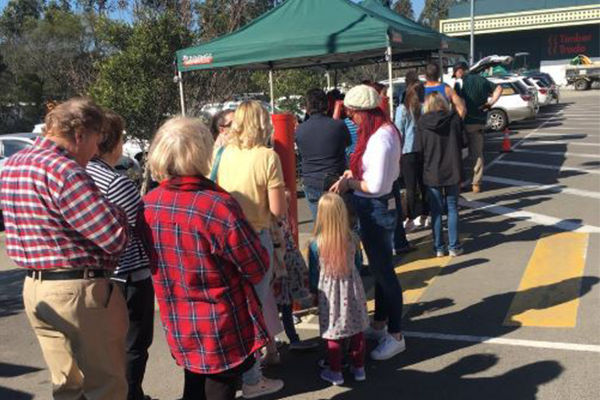 Article image for Crowds flock to Bunnings to get behind our farmers