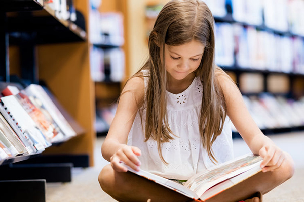 Article image for Young kids can't read as government push for mandatory phonics tests