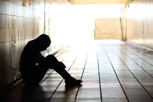 Article image for Head of Lifeline calls for target to combat rising suicide rates