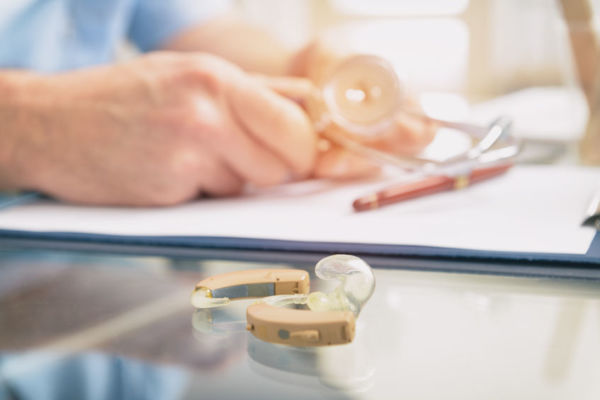 Article image for Hearing aid specialists sorry for 'errors' after ACCC reveals misleading conduct