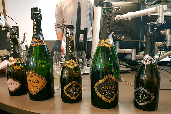 Article image for Australian sparkling rivals French champagne
