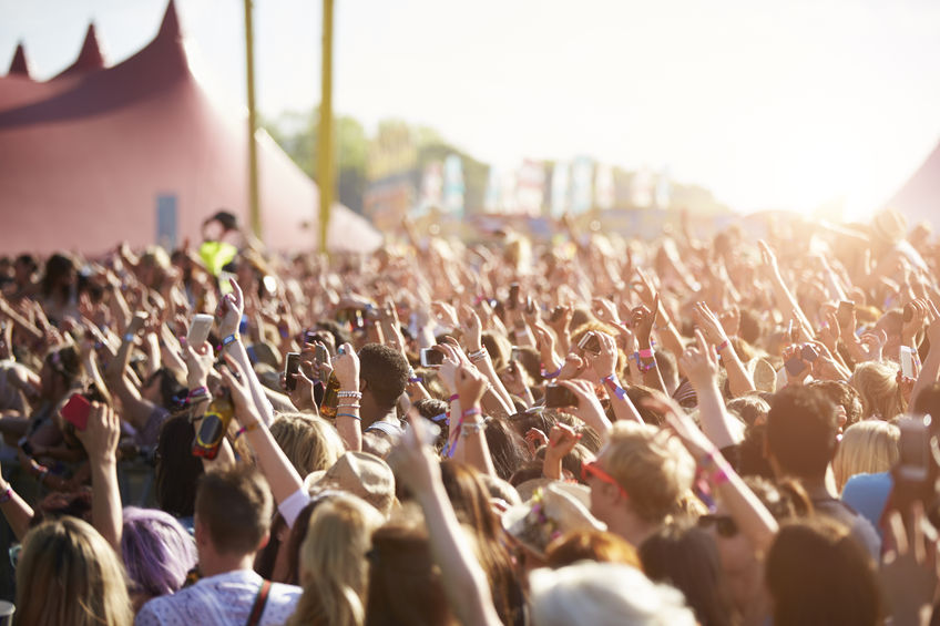 Article image for Calls for pill testing ramps up, as music festival drug offences continue