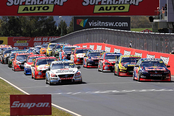 Chris Smith live from the Bathurst 1000