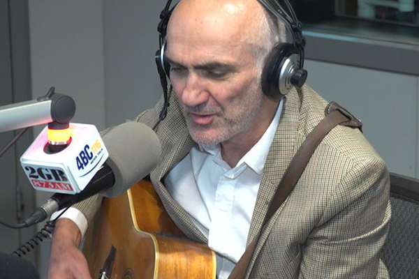 Aussie music great Paul Kelly performs live in studio