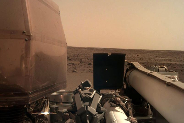 NASA's InSight Probe touches down on Mars, already Tweeting photos