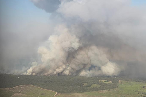 Firefighters gain upper hand on bushfire near Rockhampton